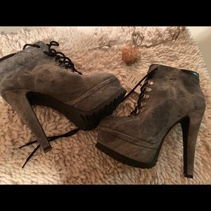 NWT Women's Boots 🖤
